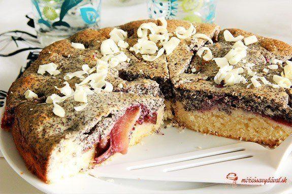Makovo-tvarohovo-slivkový koláč