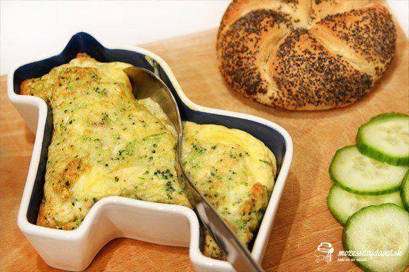 Brokolicový nákyp s prosciuttom a parmezánom