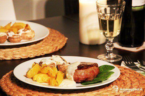 Steaky so syrovou omáčkou