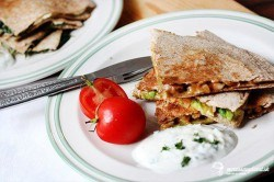 Pikantná kuracia a špenátová quesadilla