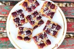 Fit cuketový koláč s čerešňami