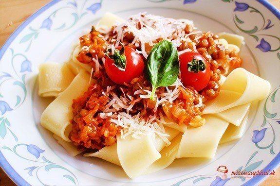 Veggie bolonské ragú so šošovicou
