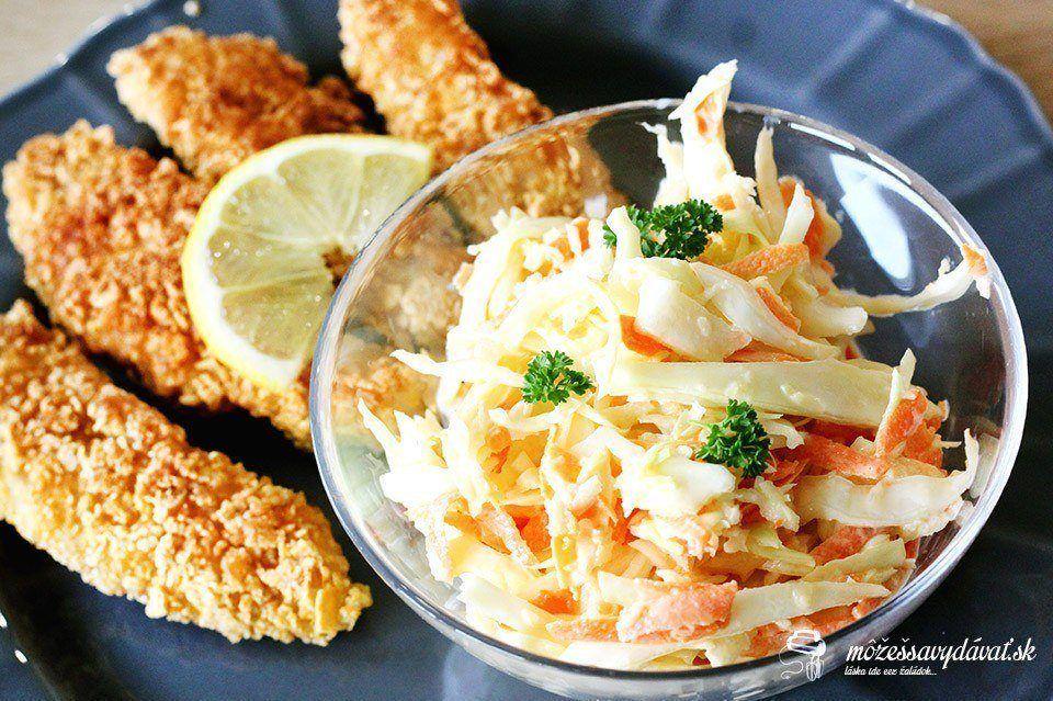 Kuracie stripsy v cornflakes a šalát Coleslaw