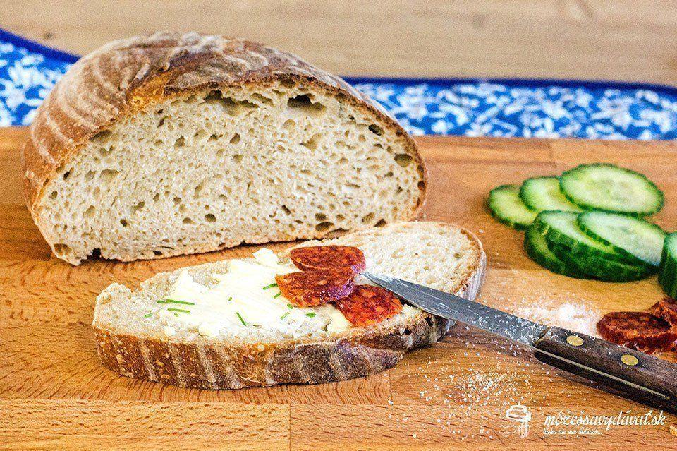 Kváskový chlieb s ovsenými vločkami