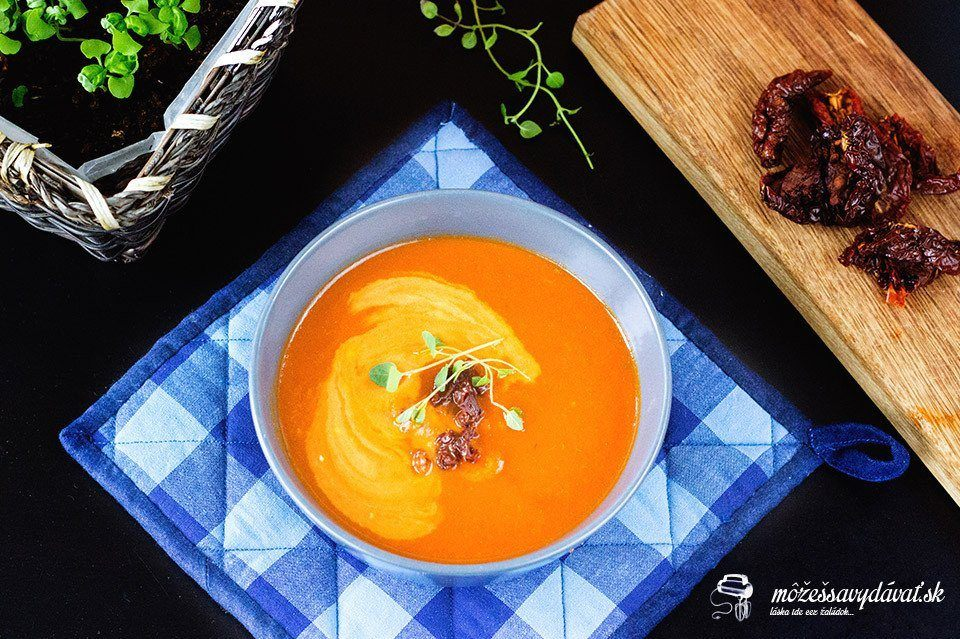 Paradajková polievka so sušenými rajčinami