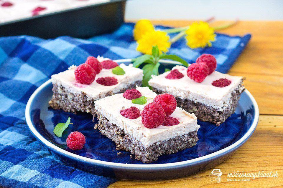 Bezlepkový makový koláč s malinovou ricottou