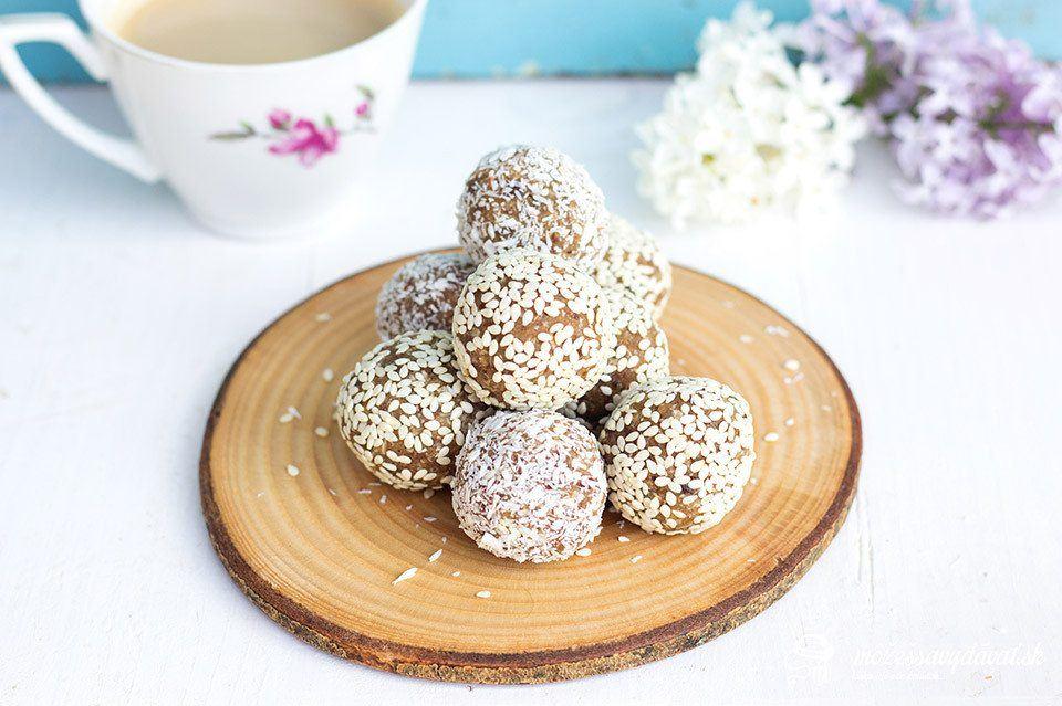 Sezamové raw guľky