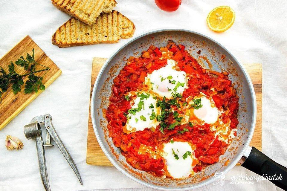 Shakshuka - vajcia v paradajkovej omáčke