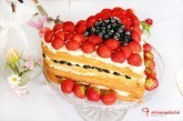 Letná slávnostná torta