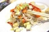 Ryžové rezance s tofu a zeleninou