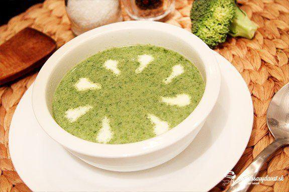 Brokolicová polievka s medvedím cesnakom