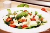 Poľný šalát so šošovicou a mozzarellou